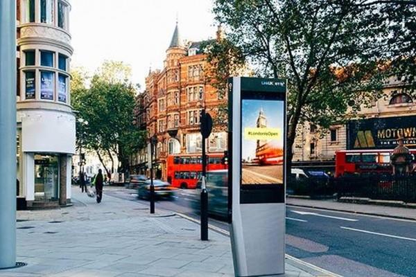 london-wifi-booth
