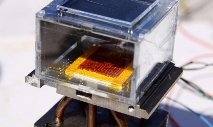 mit-solar-powered-device-harvests-water-from-dryair
